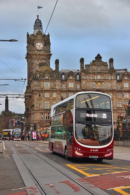 Lothian Buses 419 BN64CSF - Princes Street