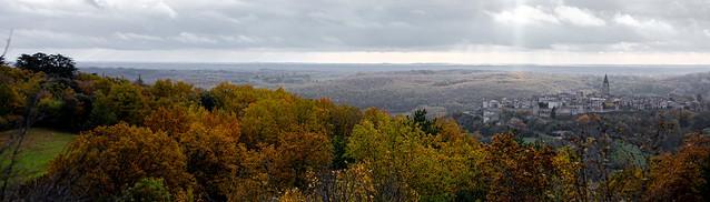 Couleurs d'automne à Puycelsi (  Tarn - France )