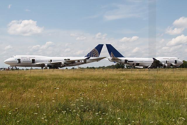 United Airlines Boeing 747-422 N118UA & N121UA