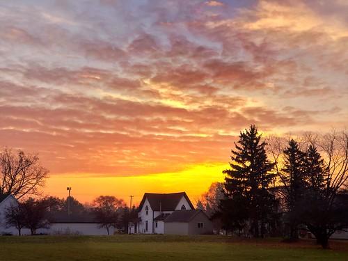 farmhouse photo mtpleasant michigan sunrise