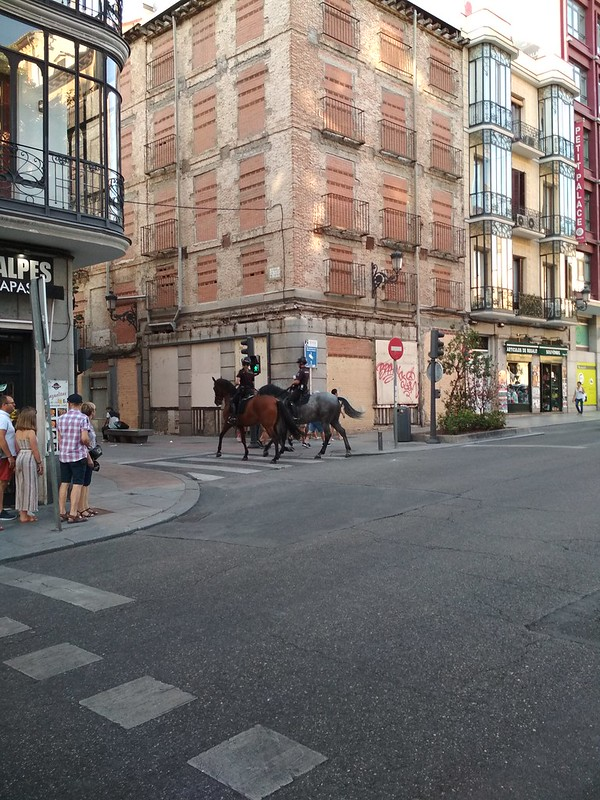 Мадрид - Конные полицейские