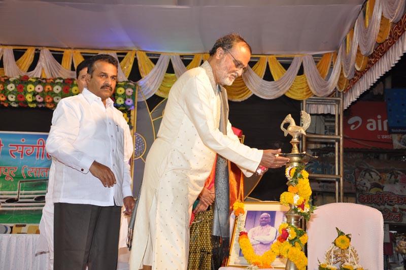 Madhavrao-Shende-Trust-Sangeet-Mahotsav-2016-Day-1-Photo-2