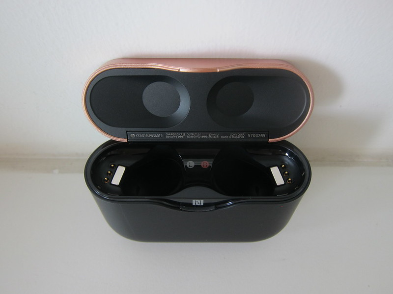 Sony WF-1000XM3 Earbuds - Charging Case - Open