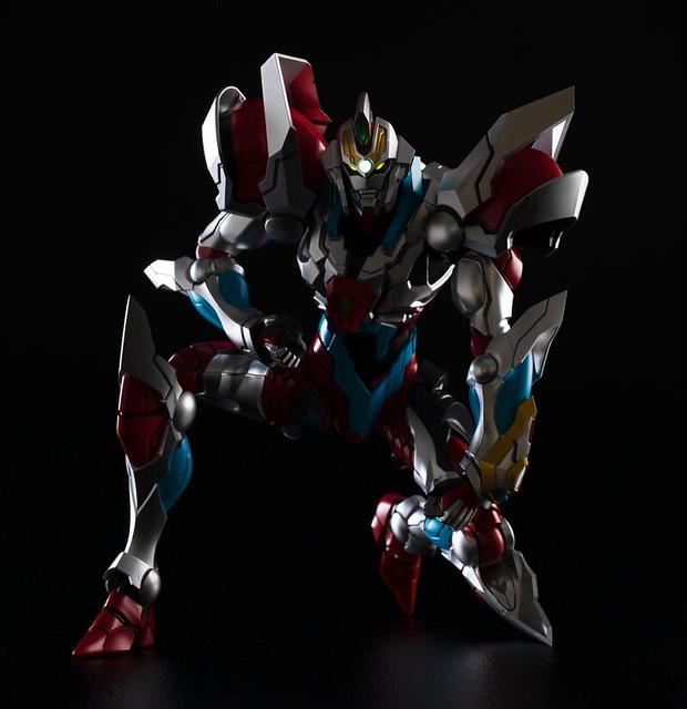 30公分的魄力尺寸結合精密造型!GIGAN-TECHS《SSSS.GRIDMAN》電光超人 古立特(ギガンテックス グリッドマン)