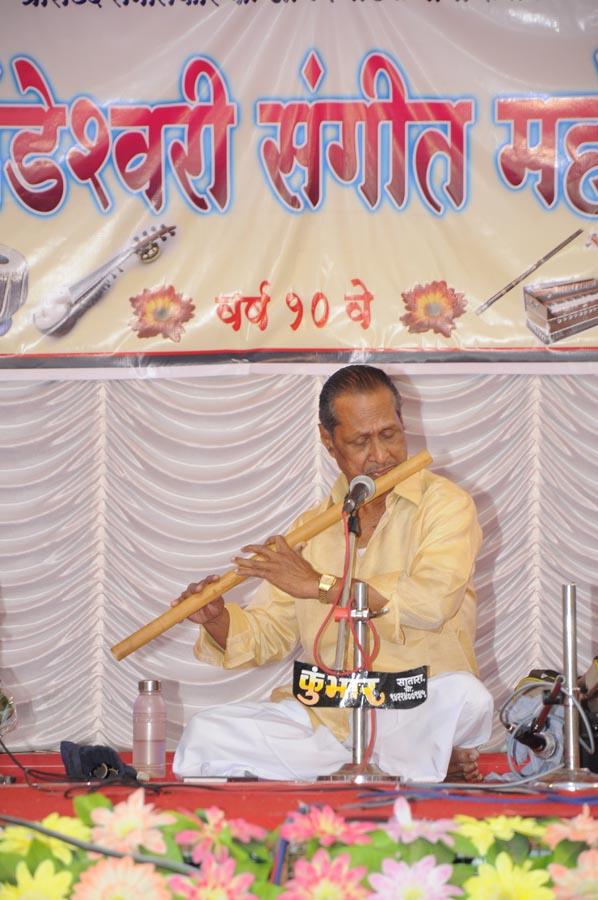 madhavrao-shende-sangeet-mahotsav-2015-day3-photo-24