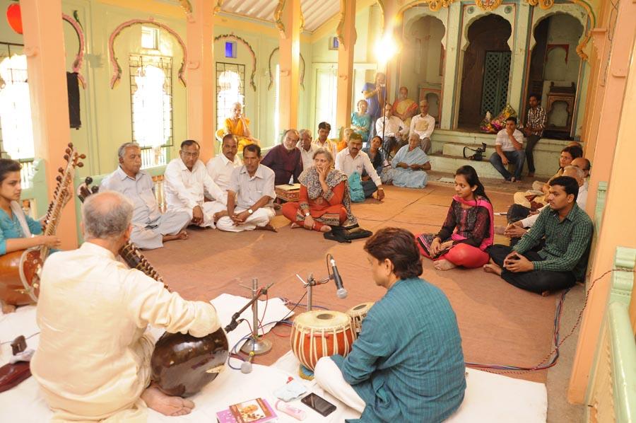 madhavrao-shende-sangeet-mahotsav-2015-day3-photo-3