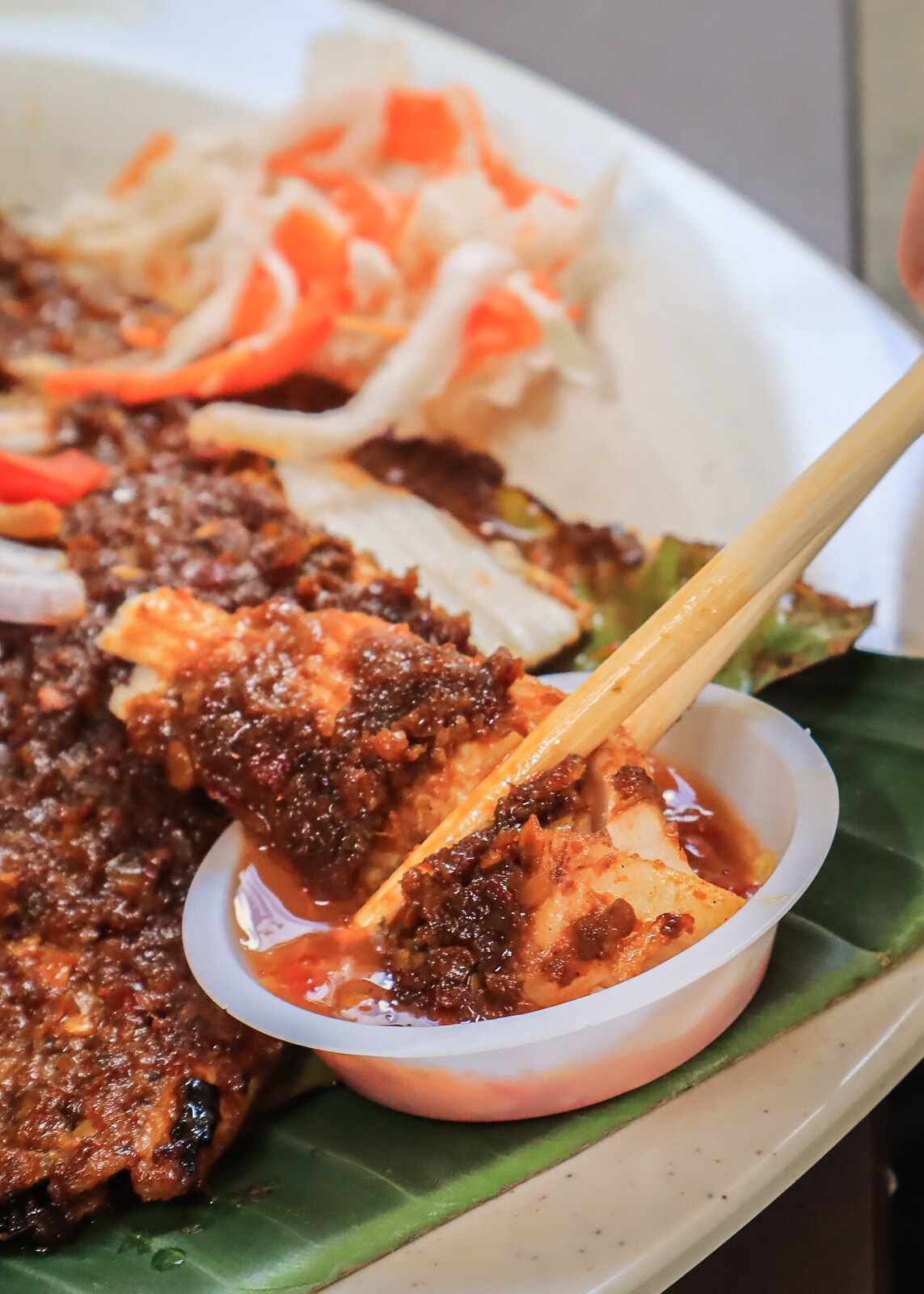 dipping stingray in chilli