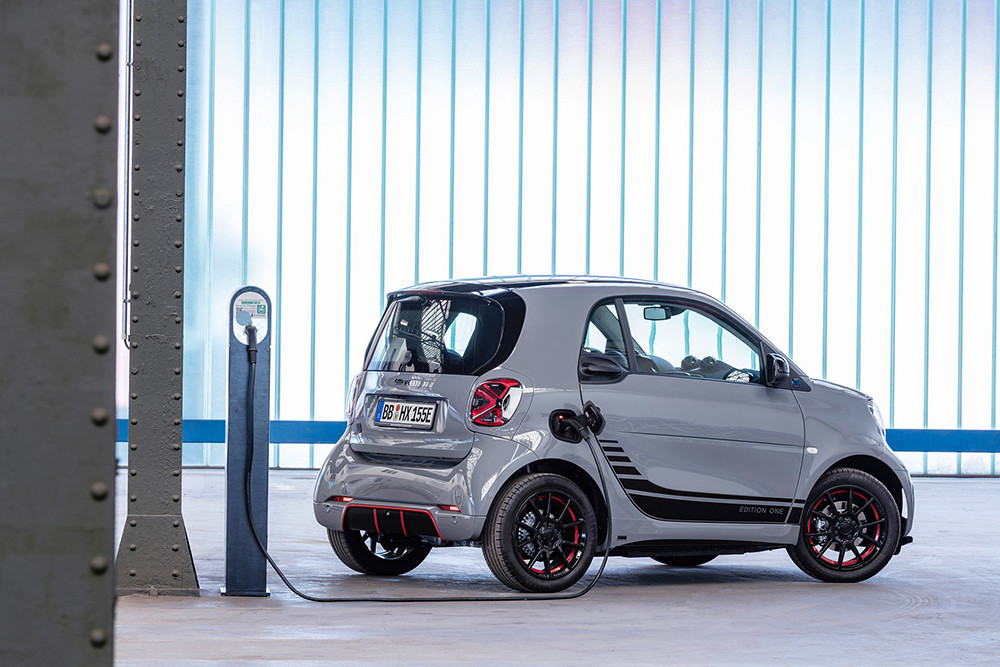 d004ac03-2020-smart-fortwo-forfour-11