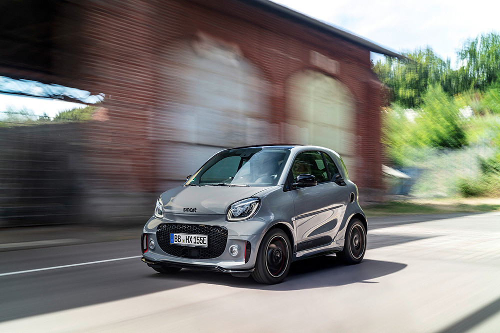 a6fbd04f-2020-smart-fortwo-forfour-2