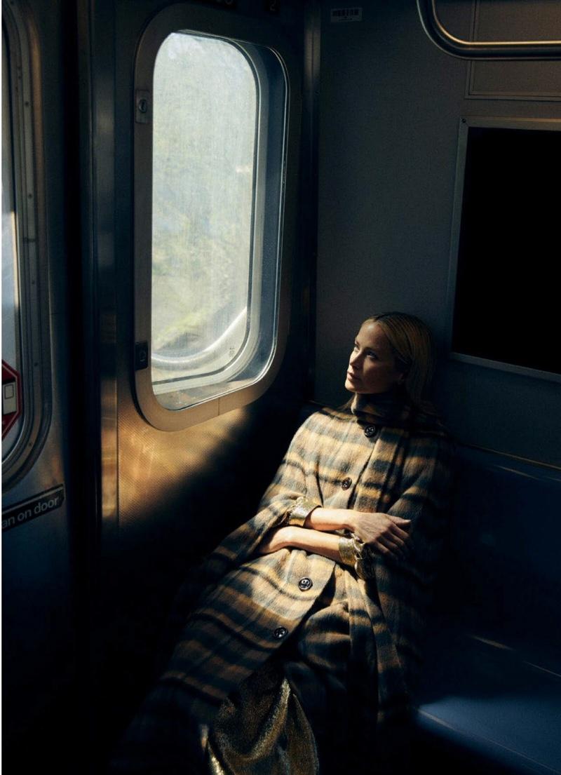 Carolyn-Murphy-Harpers-Bazaar-Australia-Cover-Photoshoot13