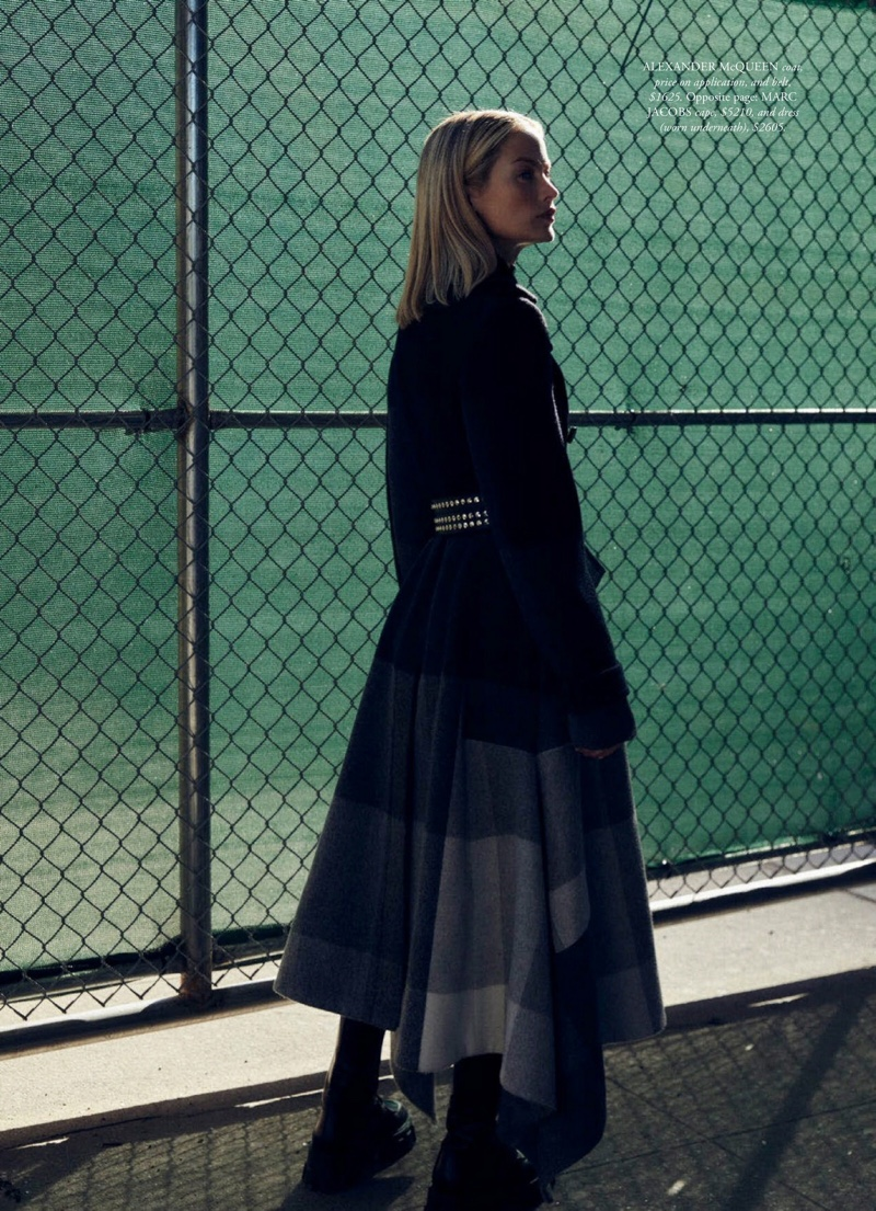 Carolyn-Murphy-Harpers-Bazaar-Australia-Cover-Photoshoot12