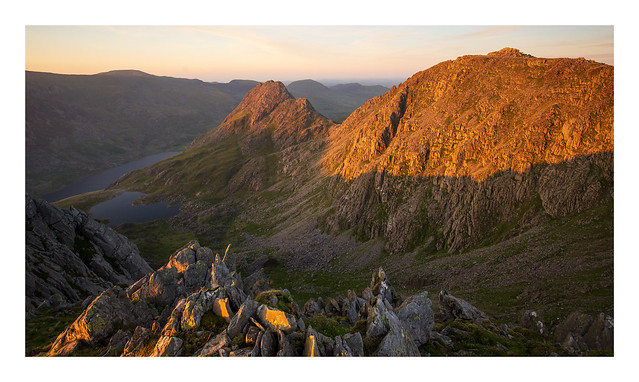 The view from Y Gribin ridge towards Tryfan and Bristly Ridge, Snowdonia, Wales.