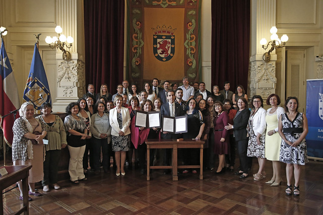 Firma del Protocolo para el Proyecto Educativo Comunal