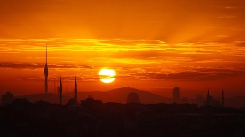 sunrise sunriseatistanbul büyükçamlıcatepesigündoğarken yeniçamlıcatvkulesi istanbul gündoğarken gündoğarkenistanbul