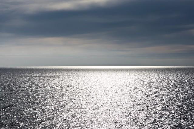 Mar Mediterráneo, serenidad de mediodía.