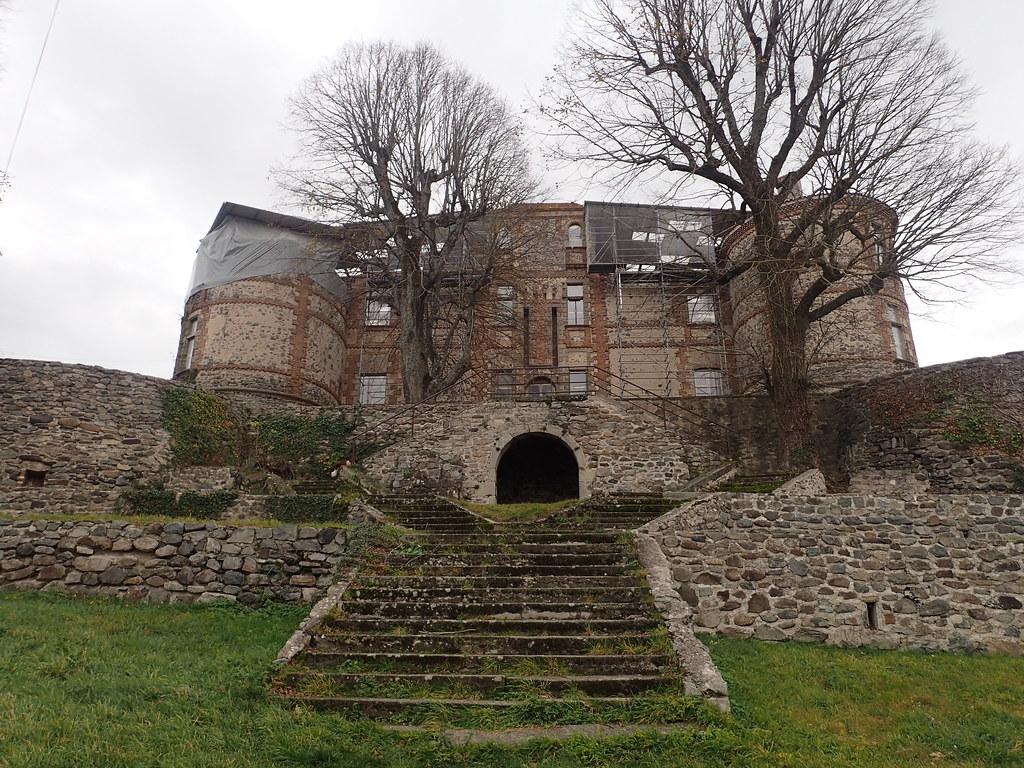 Château de Lachaux Montgros