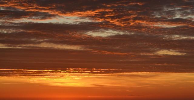 Sky seconds before sunrise - Cielo segundos antes de salir el sol