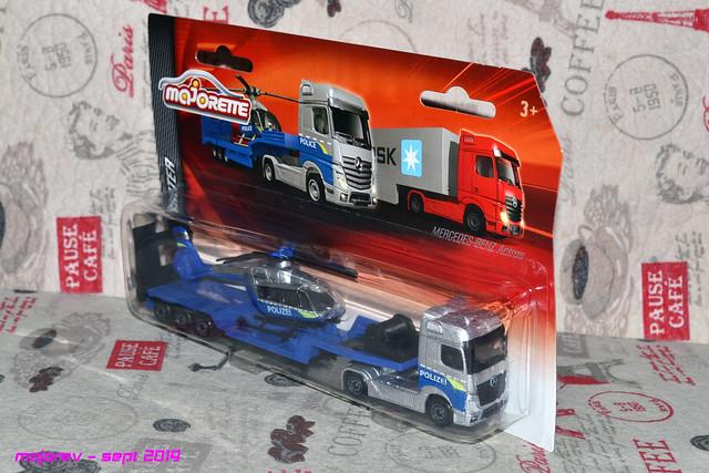 N°601 Mercedes Actros + surbaissé transport hélico. 49128432363_d85a3a982d_z