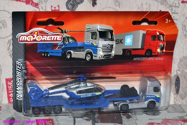 N°601 Mercedes Actros + surbaissé transport hélico. 49128919356_1a2d3cc449_z