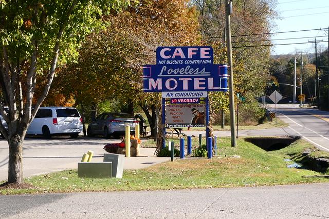Loveless Cafe Neon Sign - Nashville, TN_P1130237
