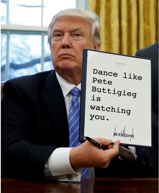 Trump_dancelikebuttigiegwatching