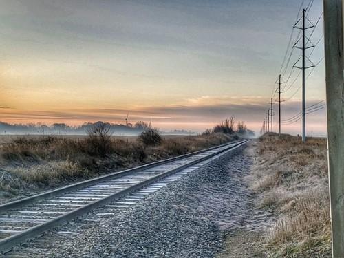 photo gratiotcounty sunrise morningcommute railroad tracks frosty