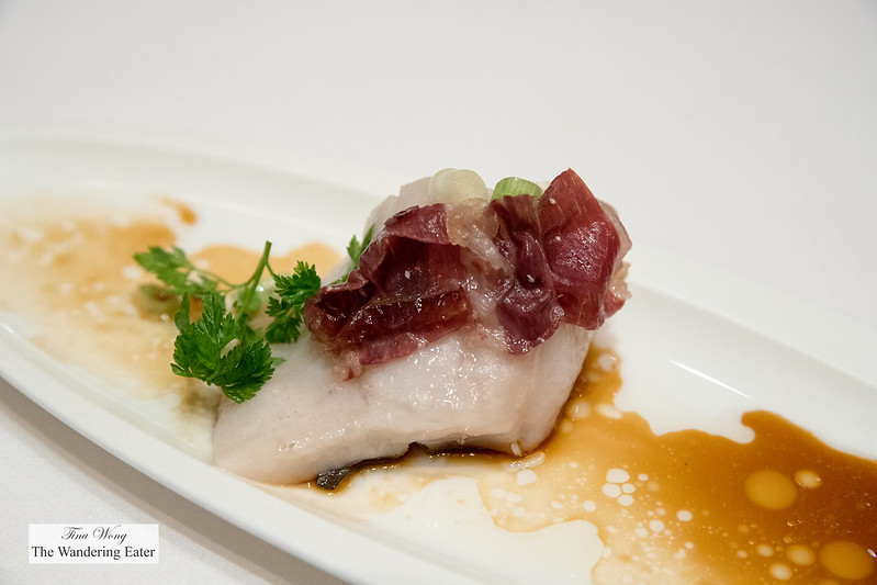 Steamed White Pomfret with Iberico ham in scallion oil 葱油火腿蒸白鲳
