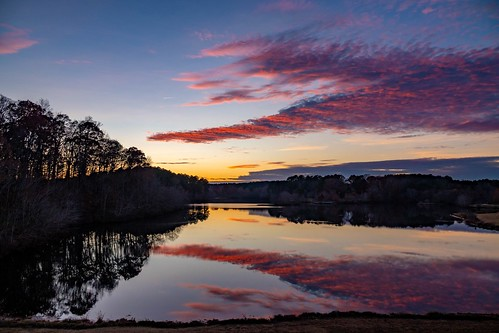sunset lake landscape water reflection clouds sky littlemulberrypark gwinnettcounty georgia ga november