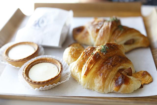 cheese tart, croissants