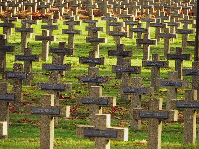 Een bezoek aan het militair kerkhof in Lommel