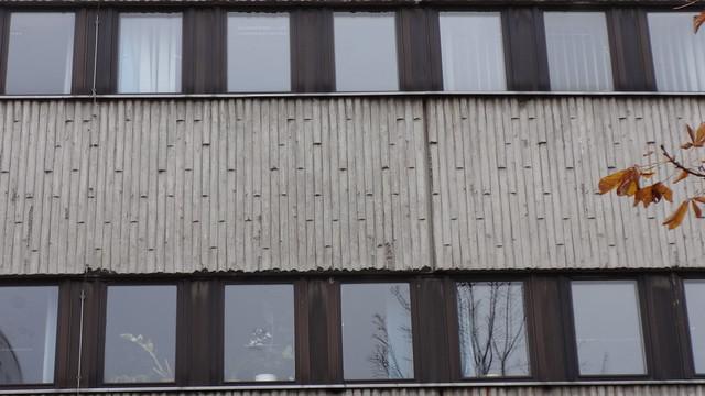 ab 1984 Berlin-O. Betonformstein Bauschmuck Polizeirevier Pablo-Picasso-Straße 2 in 13057 Falkenberg