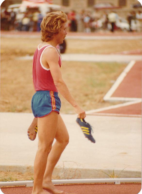 Luis Sastre en la pista de atletismo del Salto del Caballo en octubre de 1982. Colección de Tomás García del Cerro