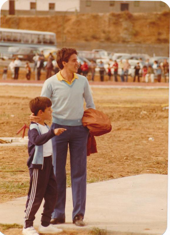José Luis González en la pista de atletismo del Salto del Caballo en octubre de 1982. Colección de Tomás García del Cerro