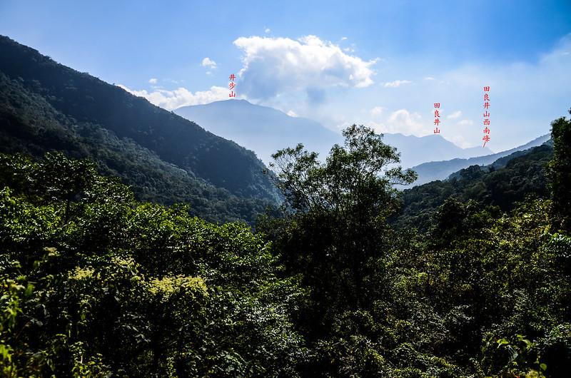 天鵝湖瀑布產道南眺群山 1-1