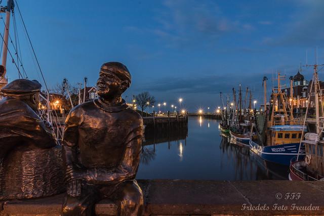 Hein und Fiete am Hafen