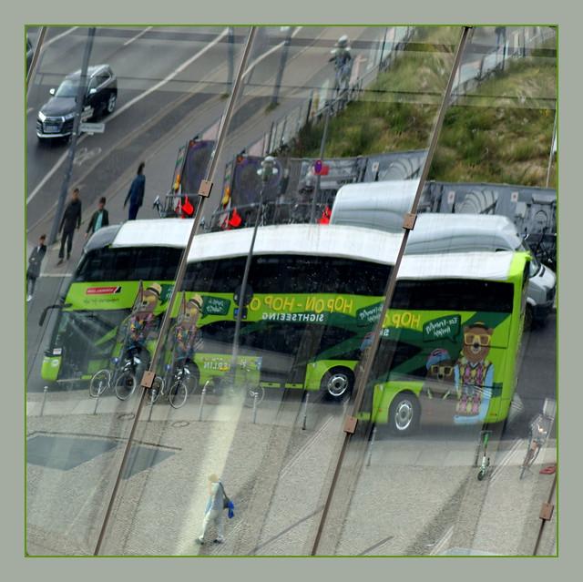 Hop on- Hop off - Gelenkbus?