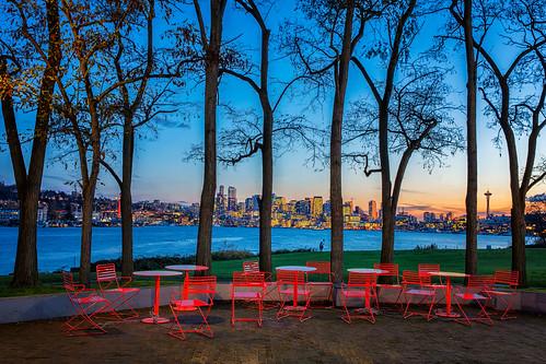 chairs seattle skyline spaceneedle gasworkspark trees lakeunion