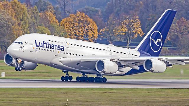 Lufthansa Airbus A380-800 D-AIMB