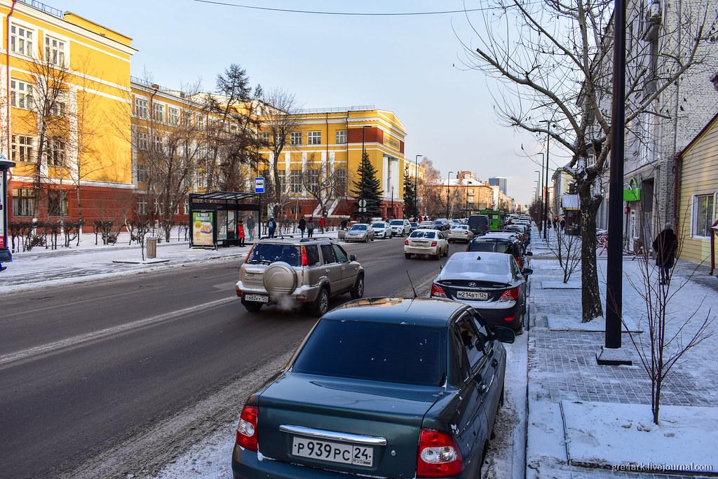 Центральный проспект Красноярска без заборов