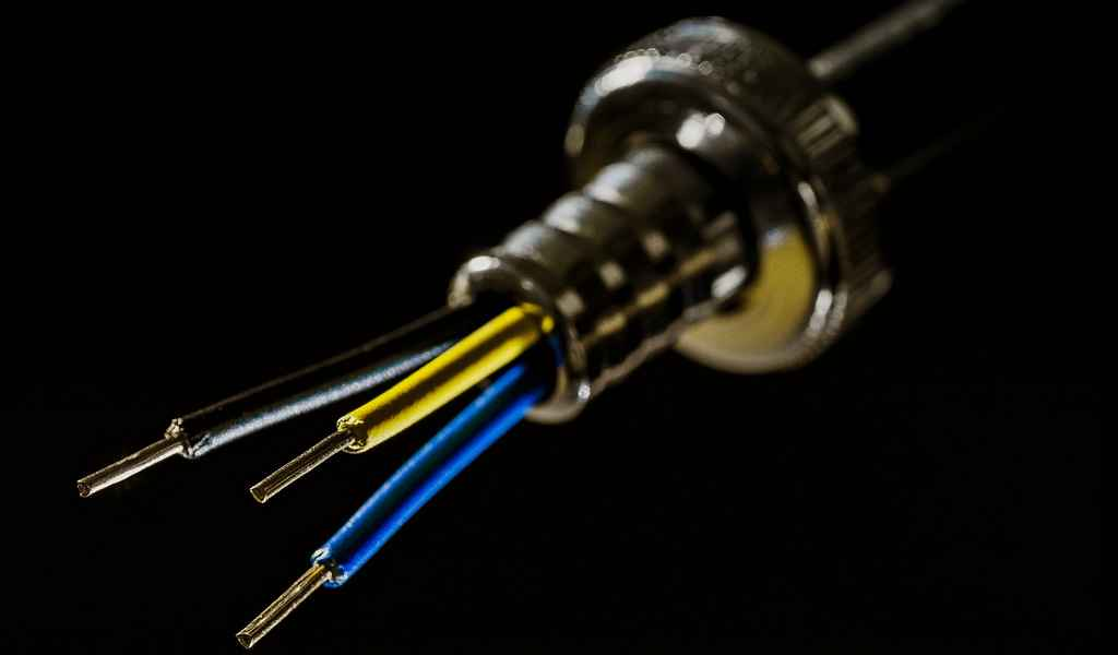 les-câbles-sous-marins-de-fibres-optiques-peuvent-détecter-les-tremblements-de-terre