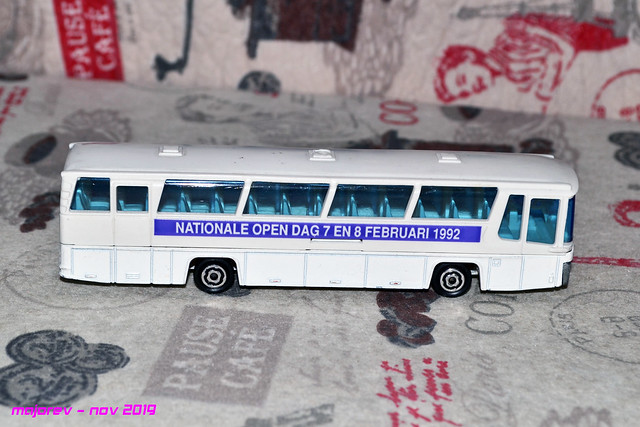N°373 autocar néoplan - Page 2 49138826062_78f4bcc52d_z