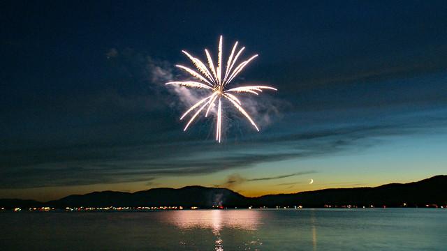 Inlet fireworks