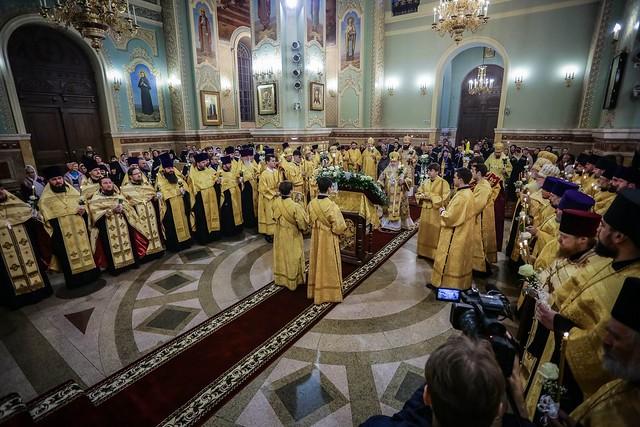 28 ноября 2019, В канун 10-летнего юбилея архиерейской хиротонии митрополит Кирилл совершил всенощное бдение