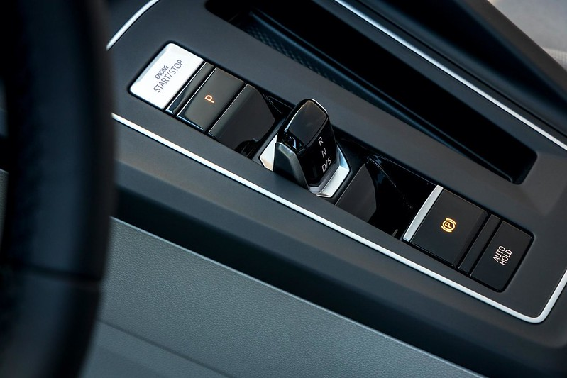 2020-VW-Golf-Mk8-75