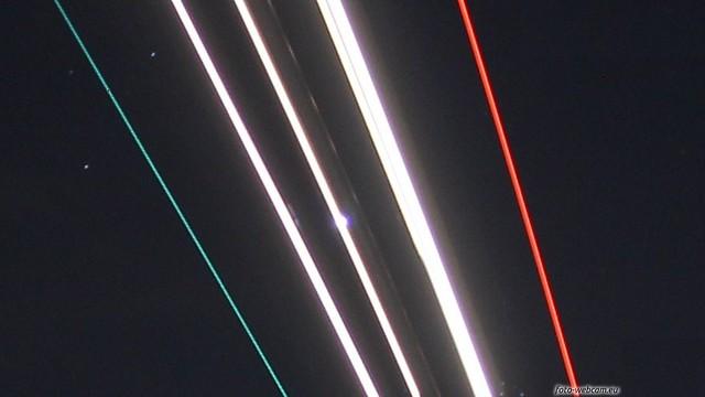 Leuchtspuren Landeanflug Ausschnitt