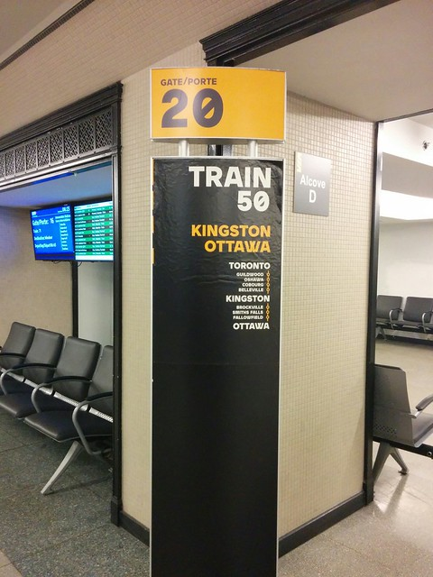 Gate/Porte 20 #toronto #unionstation #viarail #gate20 #train50 #guildwood #oshawa #cobourg #belleville #kingstonon #smithsfalls #fallowfield #ottawa #sign
