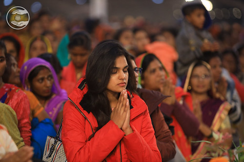 Devotees in devotion