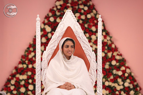 Satguru Mata Ji on the holy dais