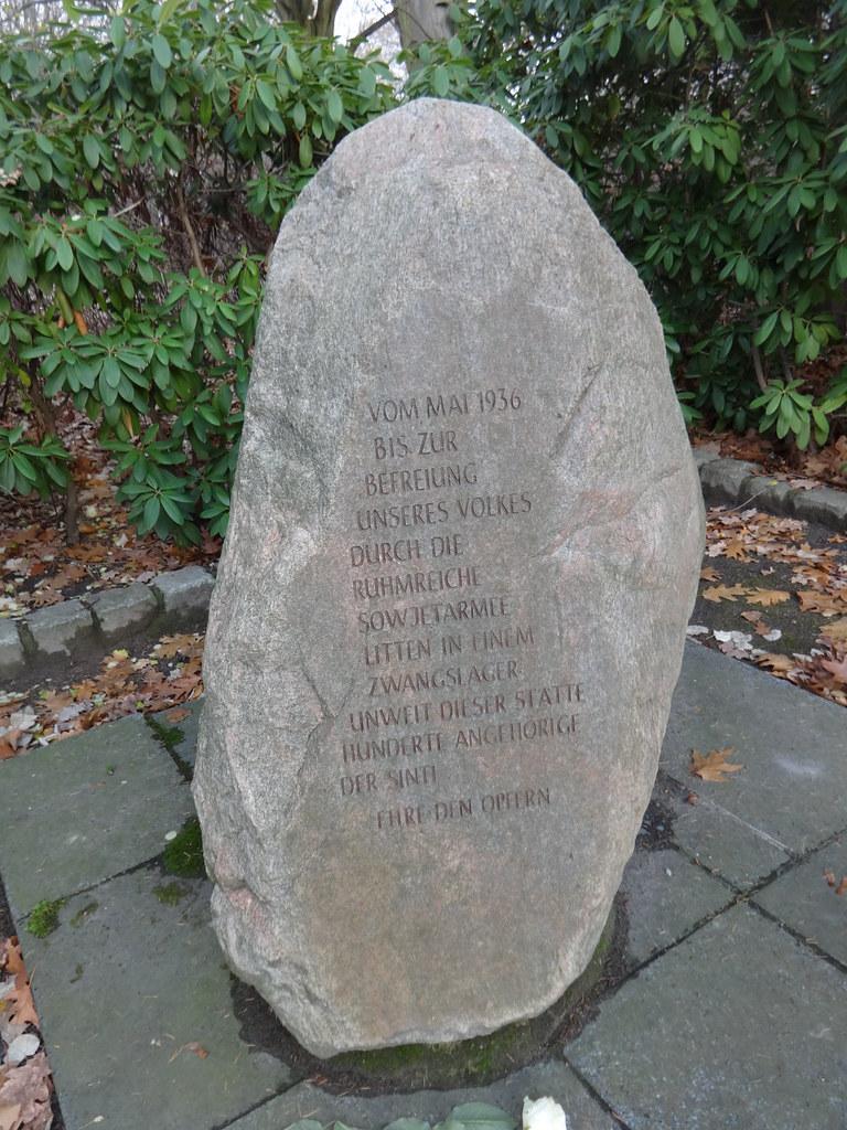 1986 Berlin-O. Gedenkstein für Sinti und Roma Parkfriedhof Marzahn Wiesenburger Weg 10 in 12681 Marzahn