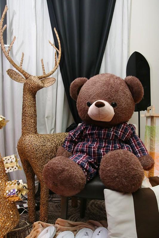 Seddy in his pajamas during the Seda Media Party